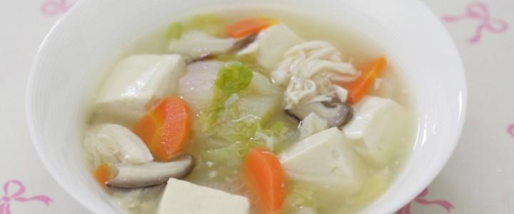 鶏ささみで「だし」をとった豆腐の旨煮椀